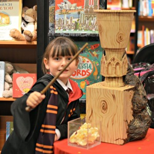 Glasgow Magician at Waterstones-Harry-Potter-Night