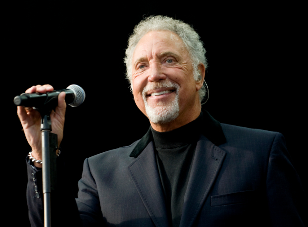 glasgow magician tom jones